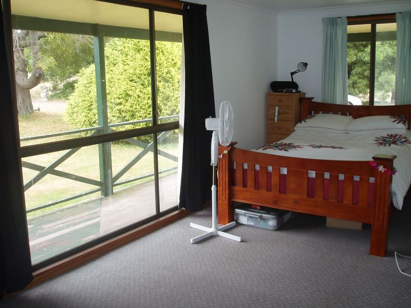Before image of second bedroom
